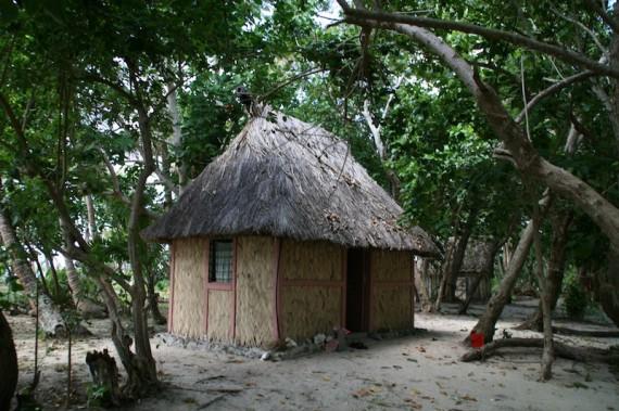 Caqalai bure, Fiji