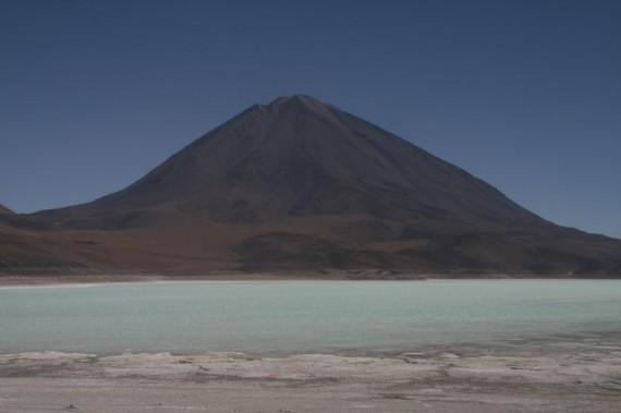 laguna_verde_salt_flats_tour_bolivia