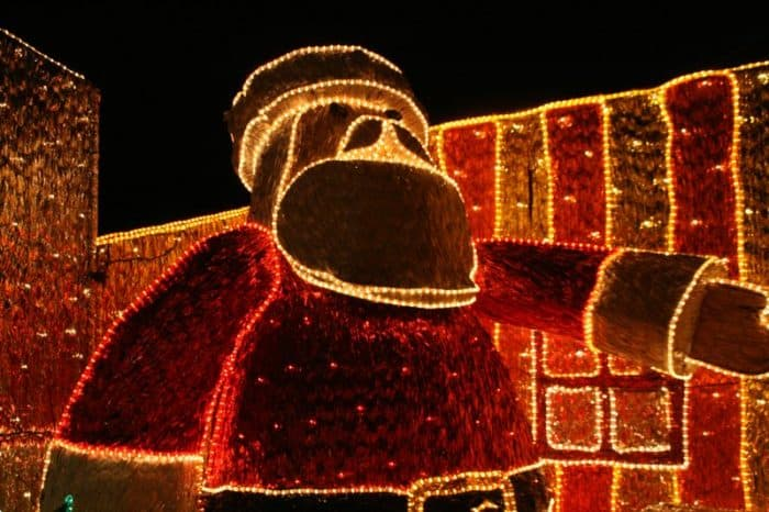 Father Christmas lights, Medellin