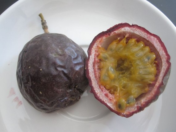 gulupa_purple_passionfruit