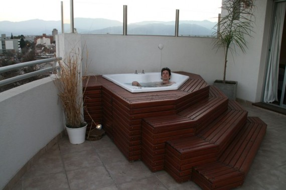 Jacuzzi in our Salta Apartment