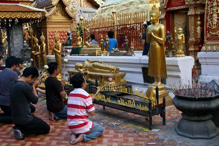 Wat Doi Suthep prayer