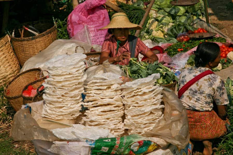 Shan poppadoms, Ywama market