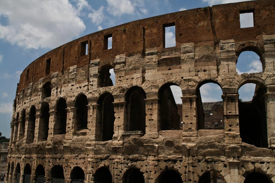 main_colosseum_out
