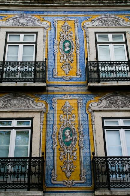 Azulejos in Lisbon 9