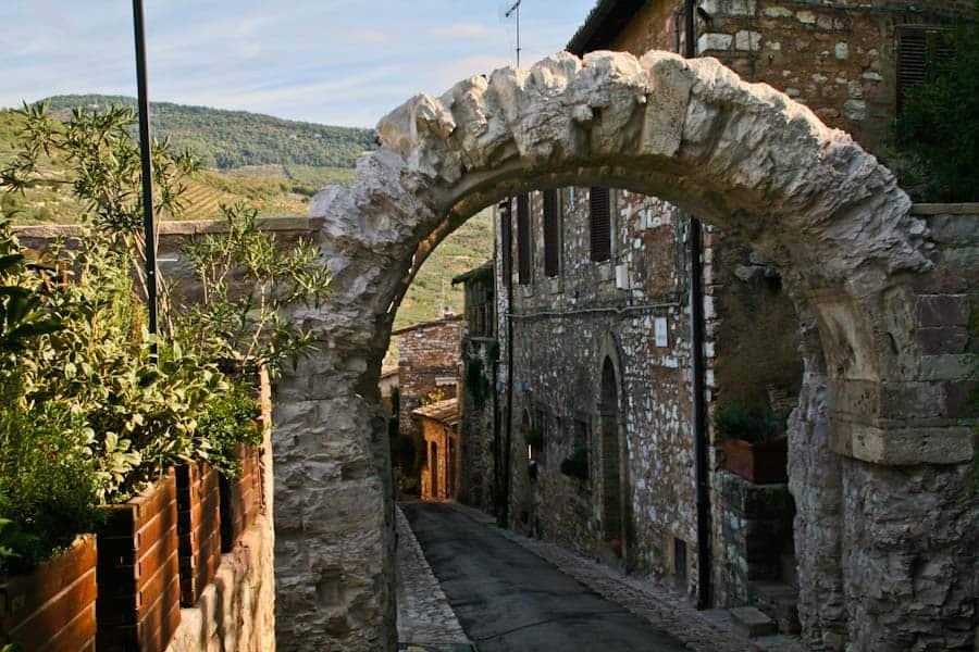 Cappuccini Roman gate, Spello