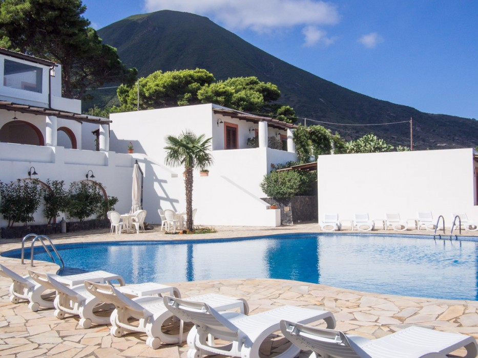 Hotel Principe di Salina pool