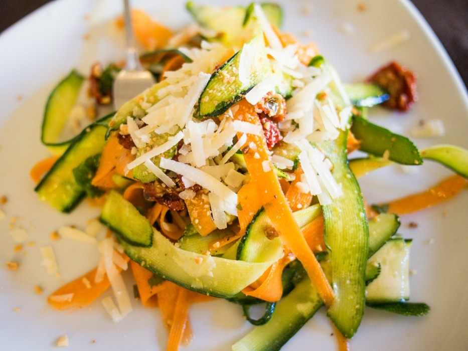 Fresh and flavourful: zucchini and carrot salad with sundried tomatoes, mint, almonds and cheese at La Cecchina, Bari