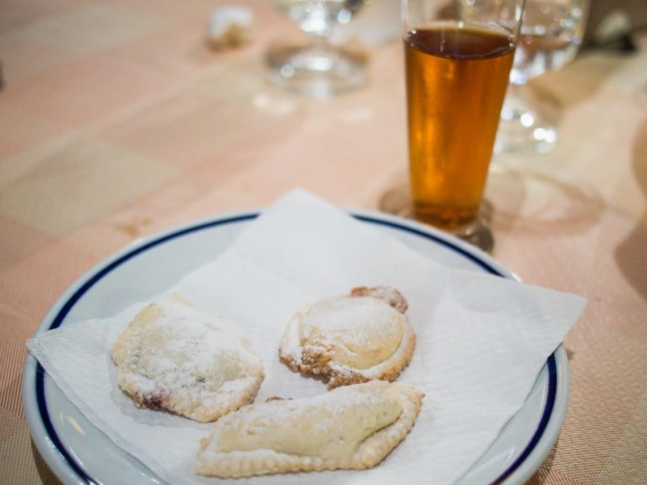 Malvasia and almond pastries