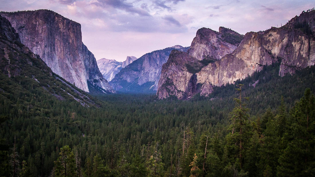 Tunnel View just before sunset, Yosemite in the summer