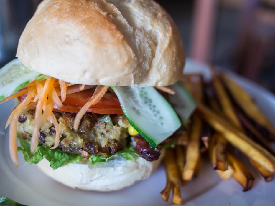 Cafe Espresso's delicious veggie burger, Kampot