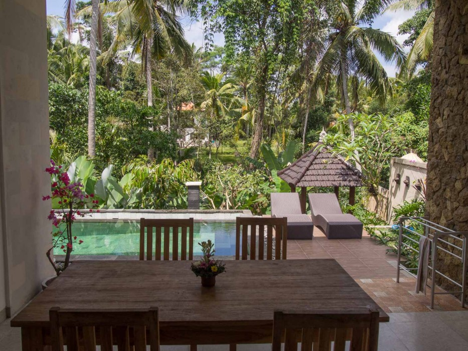 How to find a house to rent in Ubud - our dining room