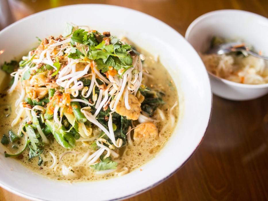 Ubud vegetarian restaurants - Melting Wok tempeh curry