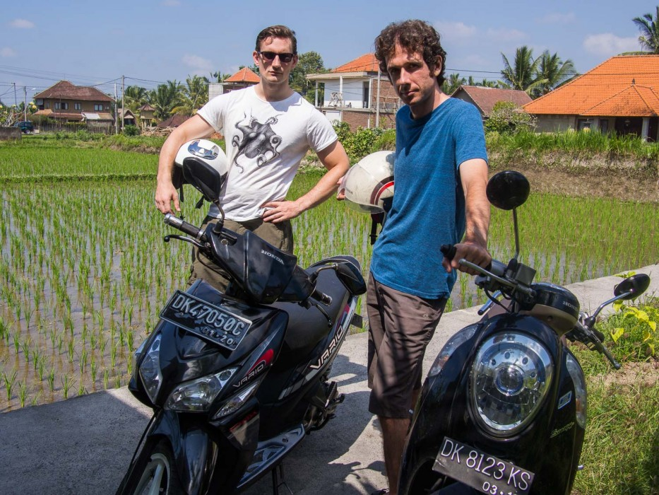 Living in Ubud -riding a motorbike