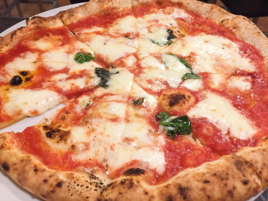 Margherita pizza at Pomodoro e Basilico, Rapallo