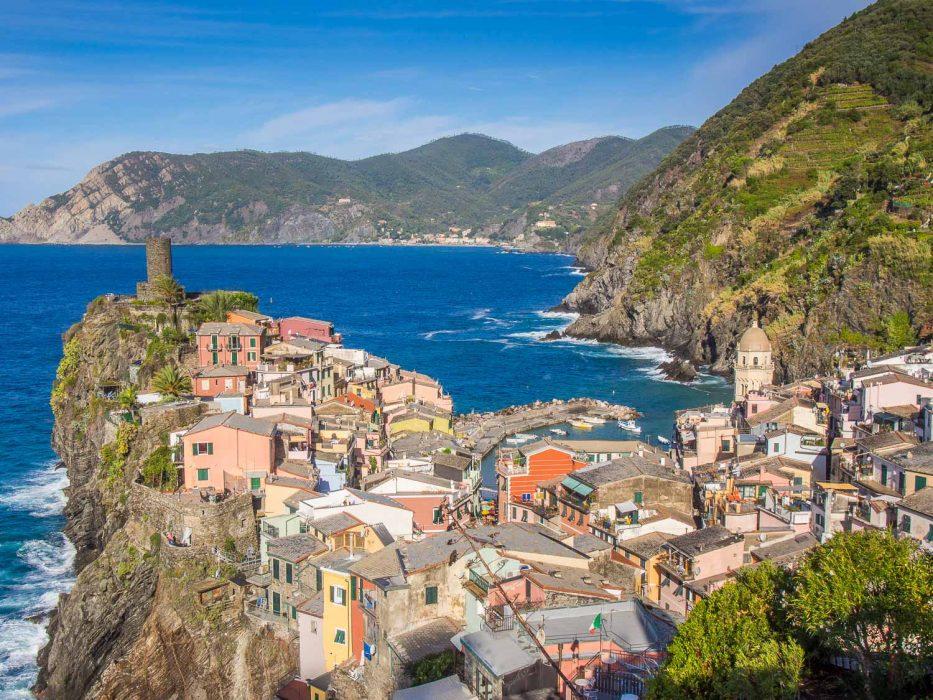 Walking into Vernazza from Corniglia, Cinque Terre