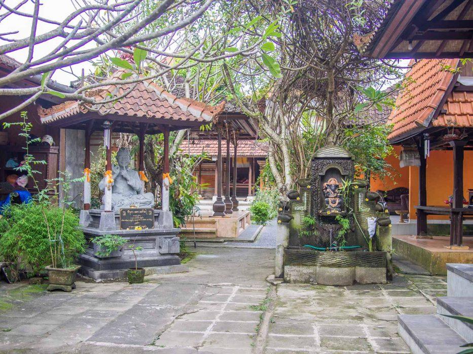 Ubud vegan restaurants - Siboghana Waroeng review