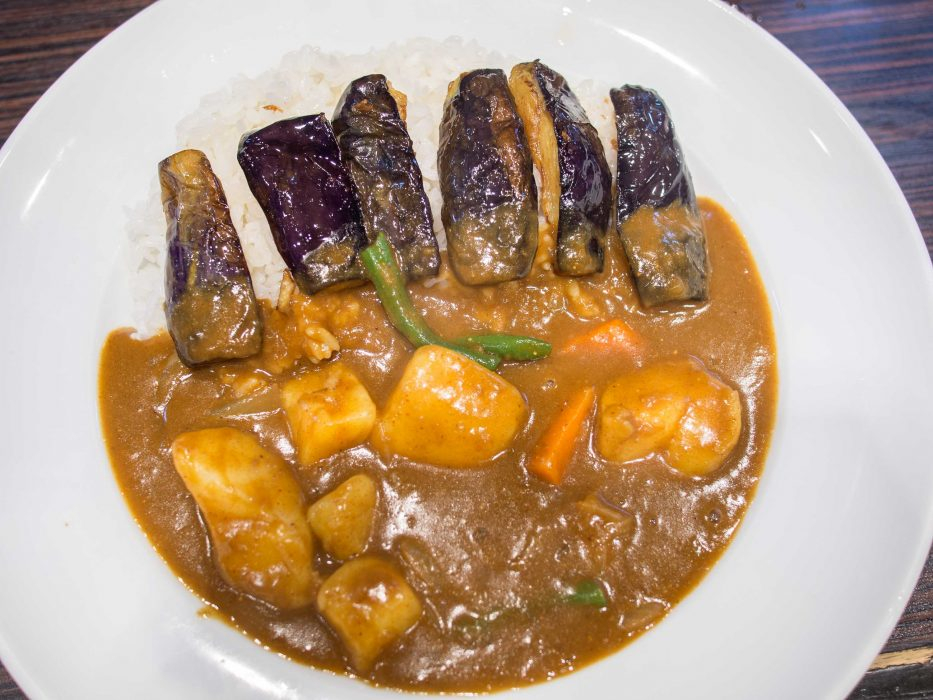 Japanese vegetarian curry at CoCo Ichibanya, a cheap place for vegetarian food in Tokyo