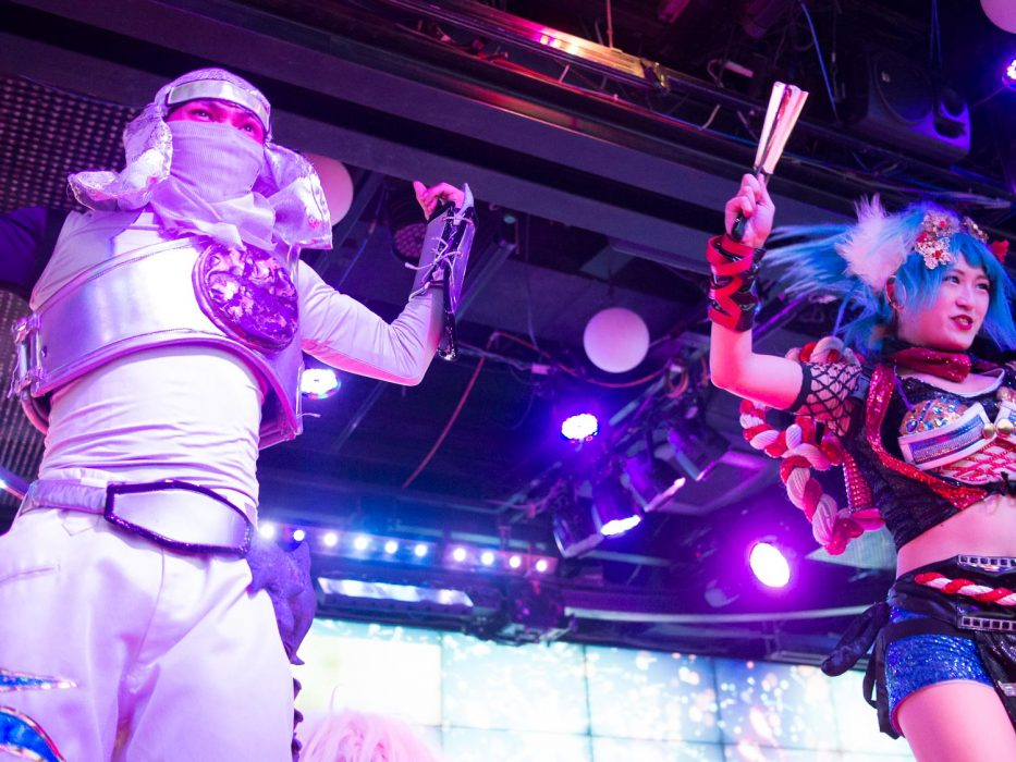 Robot show dancers