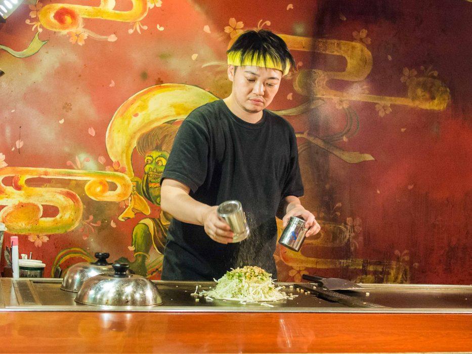 Okonomiyaki being made at Zen, a Shinjuku restaurant with vegetarian menu