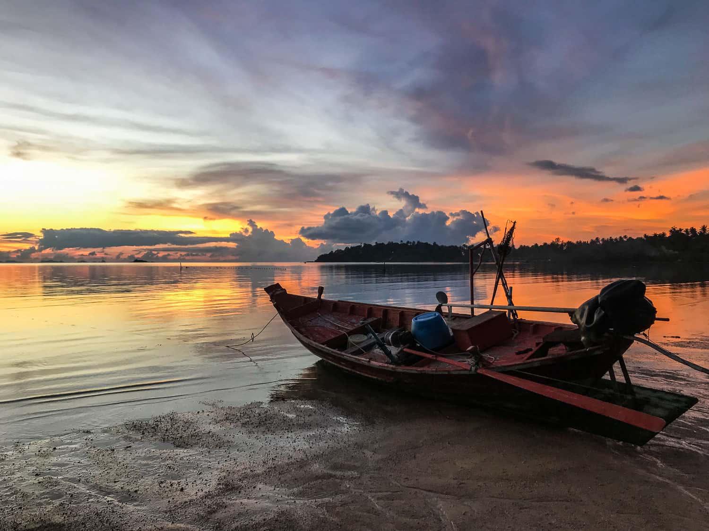 Digital nomad life on Koh Phangan in Thailand - sunset at Hin Kong Beach
