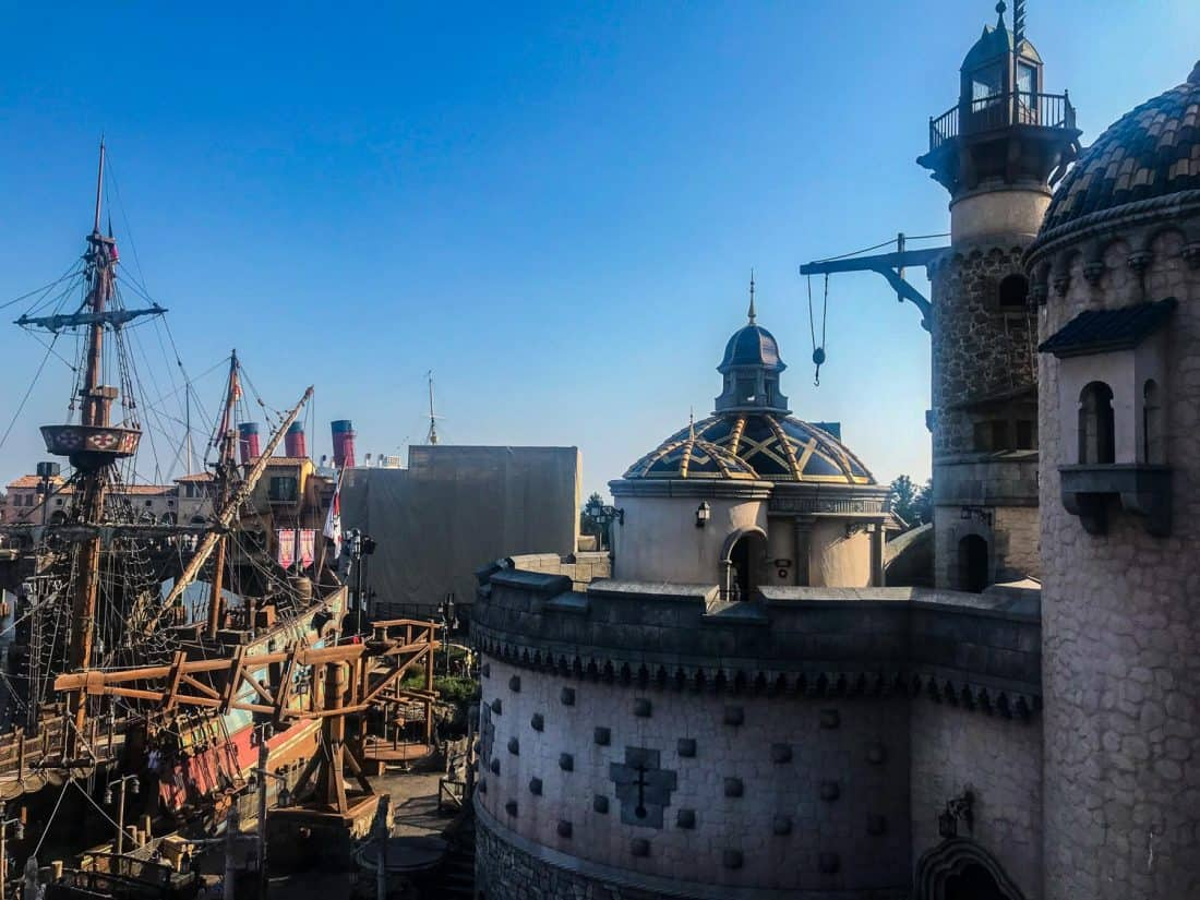 Fortress Explorations, one of the best Tokyo Disneysea attractions