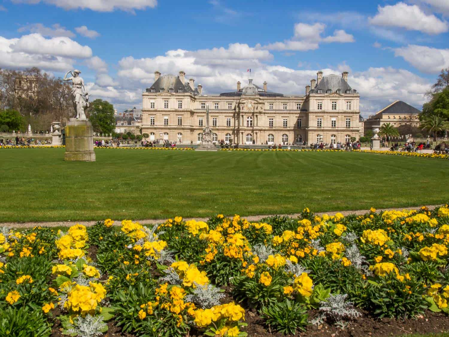Paris in a day - discover the best one day itinerary including the gorgeous Luxembourg Gardens