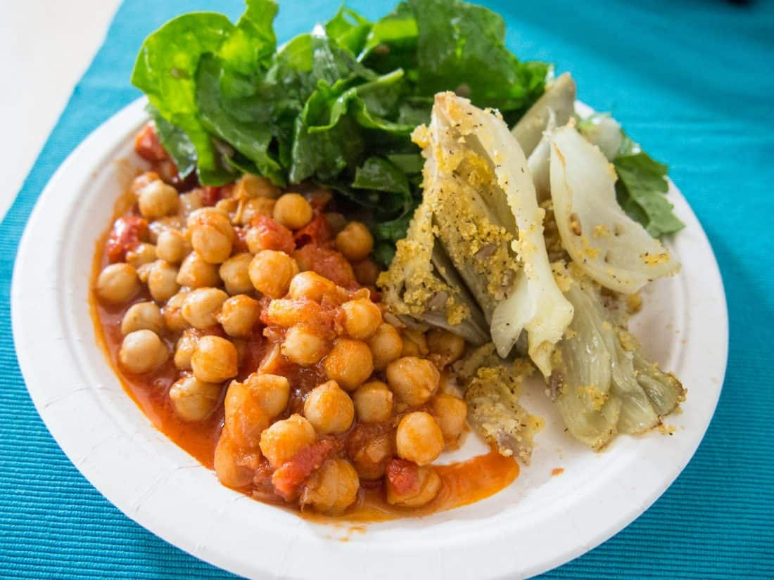 Chickpeas, baked fennel, and spinach salad at Zenzero, a healthy vegetarian restaurant in Lecce
