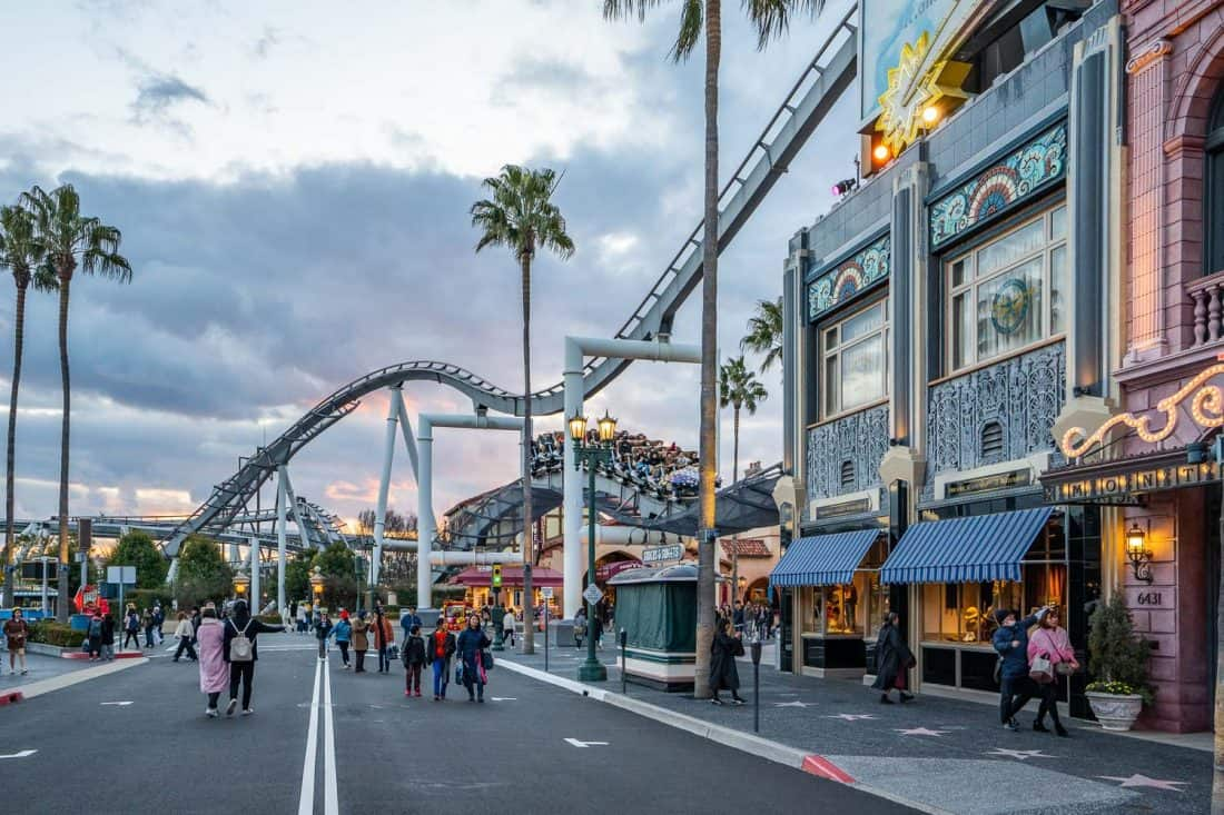 Hollywood Dream - The Ride passes through the streets of Hollywood at Universal Studios Japan