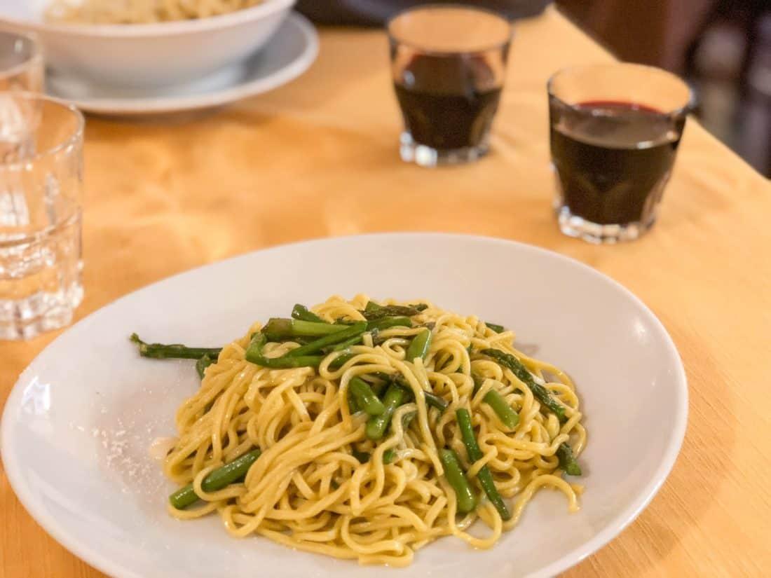 The simple but delicious taglioni with wild asparagus and garlic at Piatto Romano