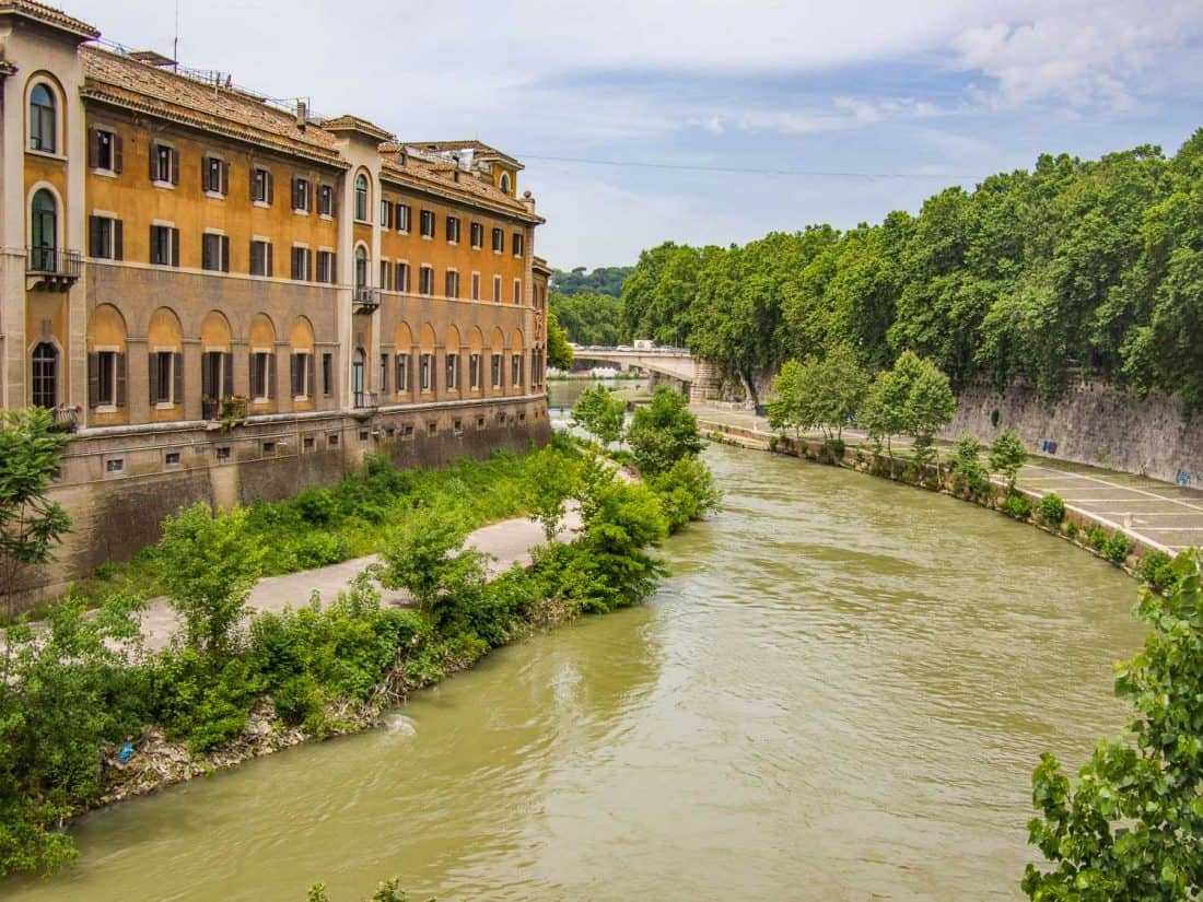 Tiber island in Rome connects Trastevere to the Jewish Ghetto