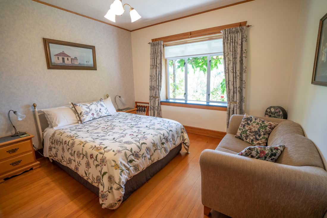 Double room at the Olde Mill House B&B in Renwick, Marlborough in New Zealand
