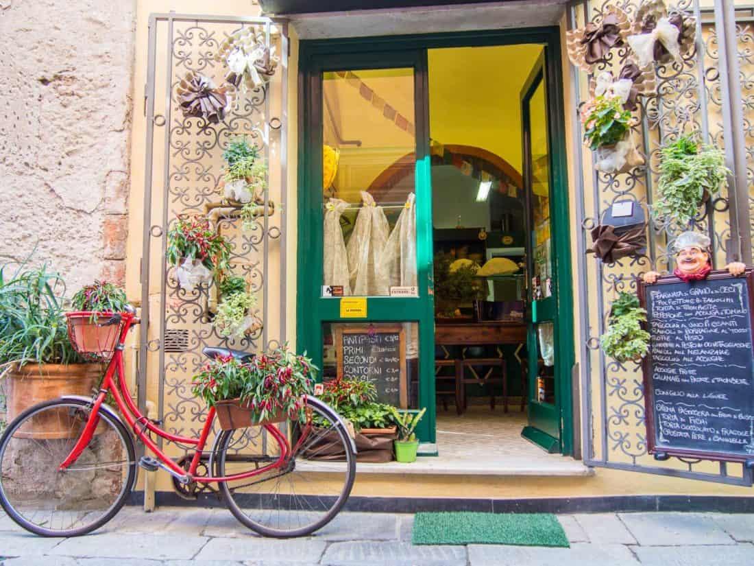 The lovely osteria (simple restaurant) Ai Cuattru Canti in Finalborgo, Liguria