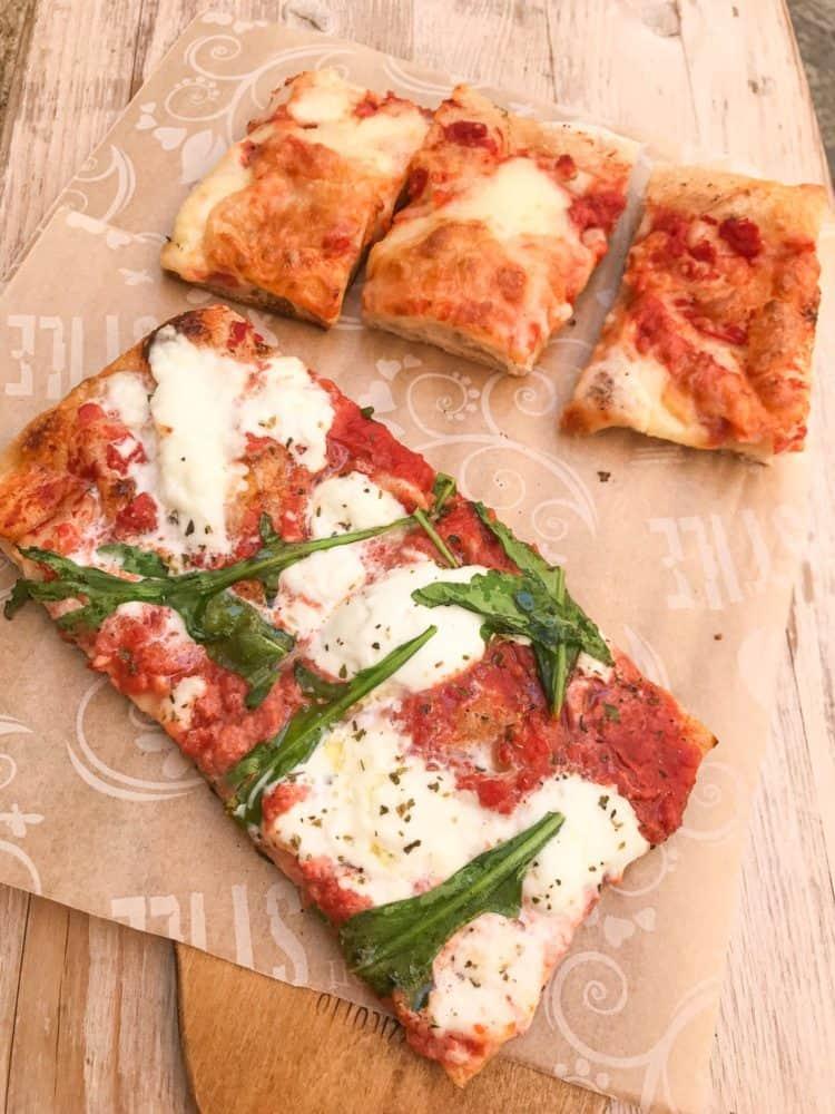 Pizza al taglio at Il Pizzicotto in Lecce
