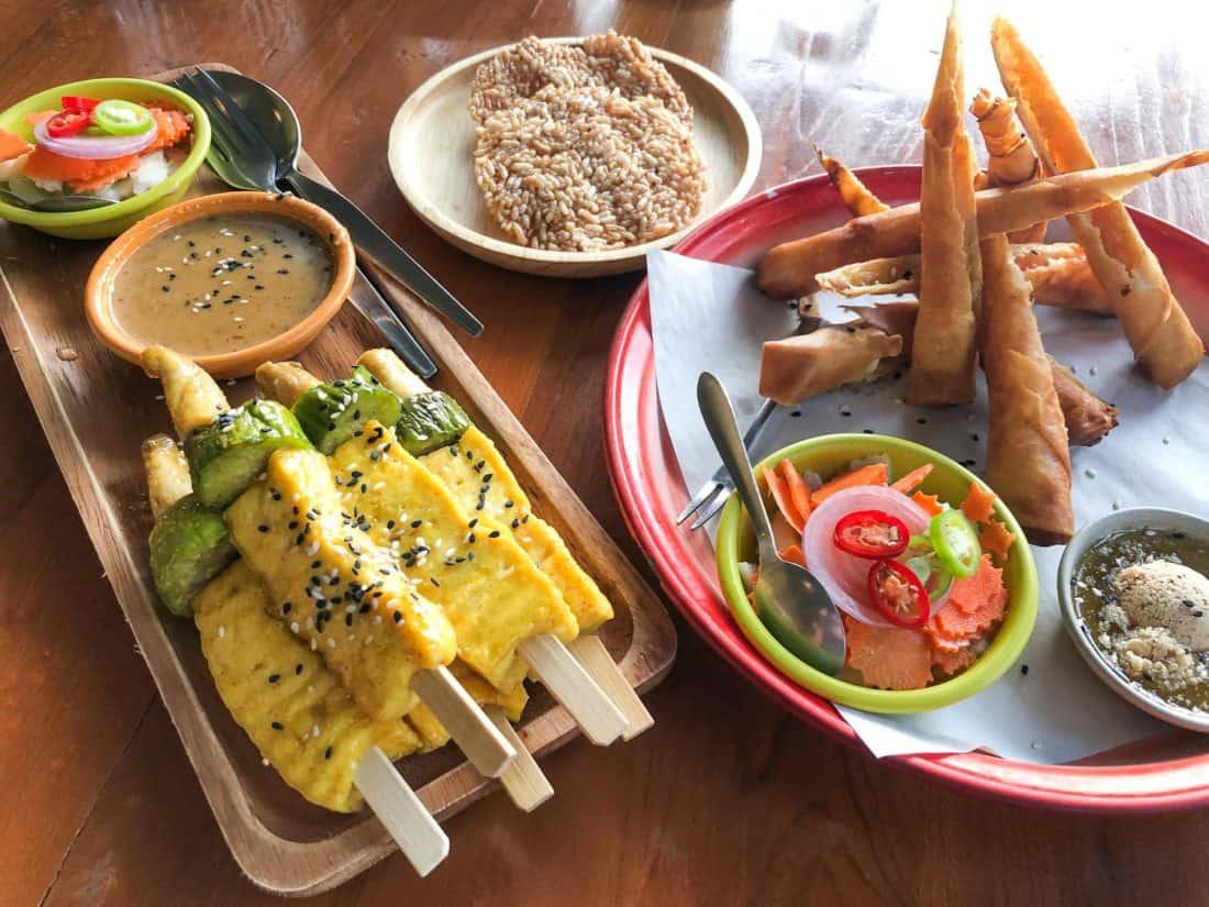 Tofu satay and samosas at Happy Veggie