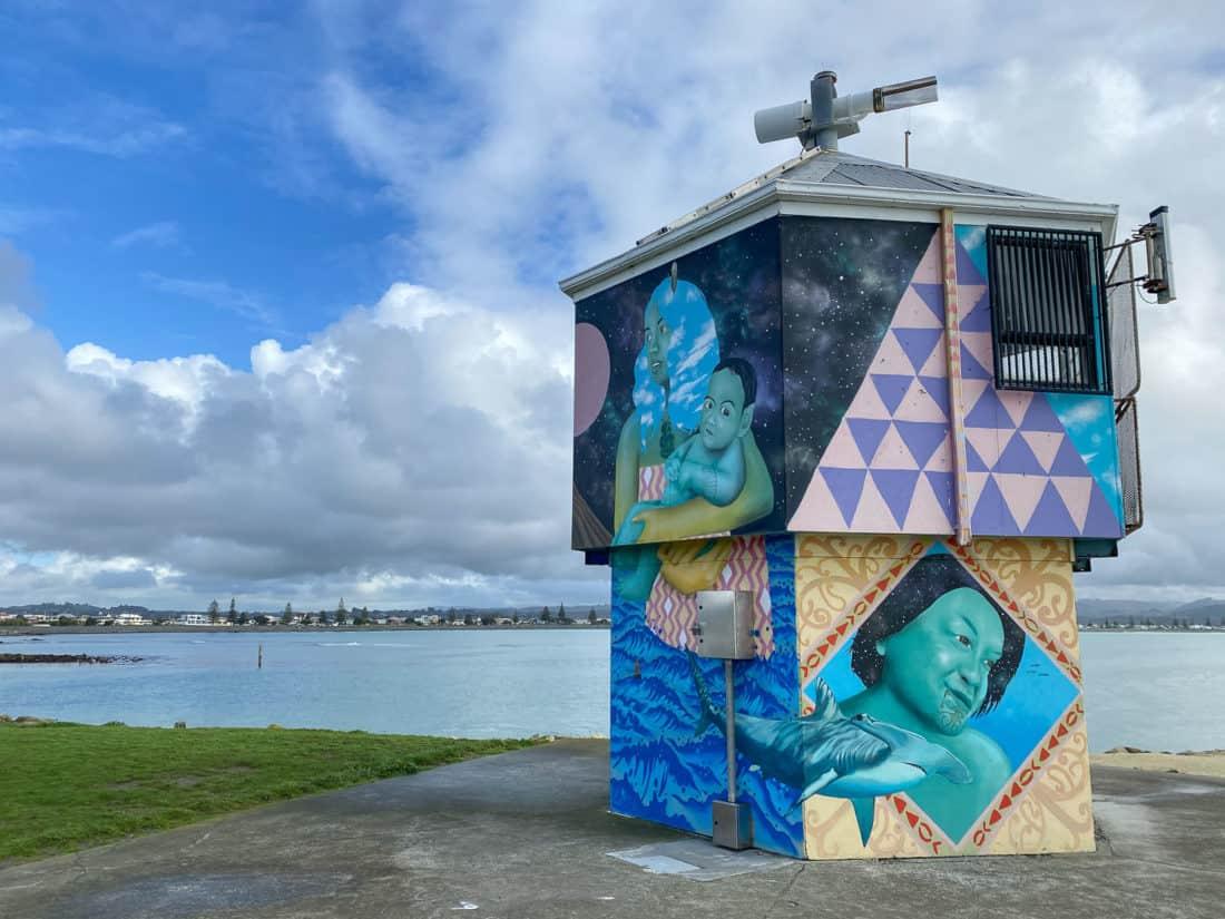 Ahuriri sea wall mural