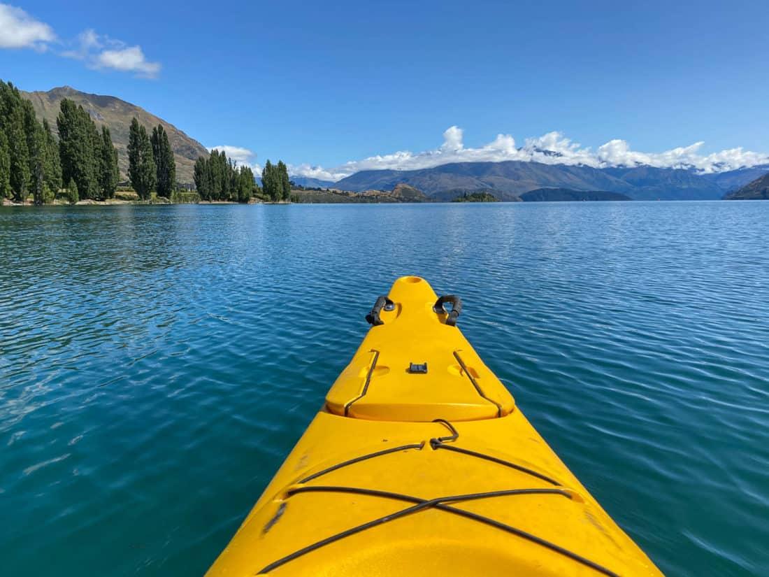 Kayaking in Lake Wanaka to Ruby Island