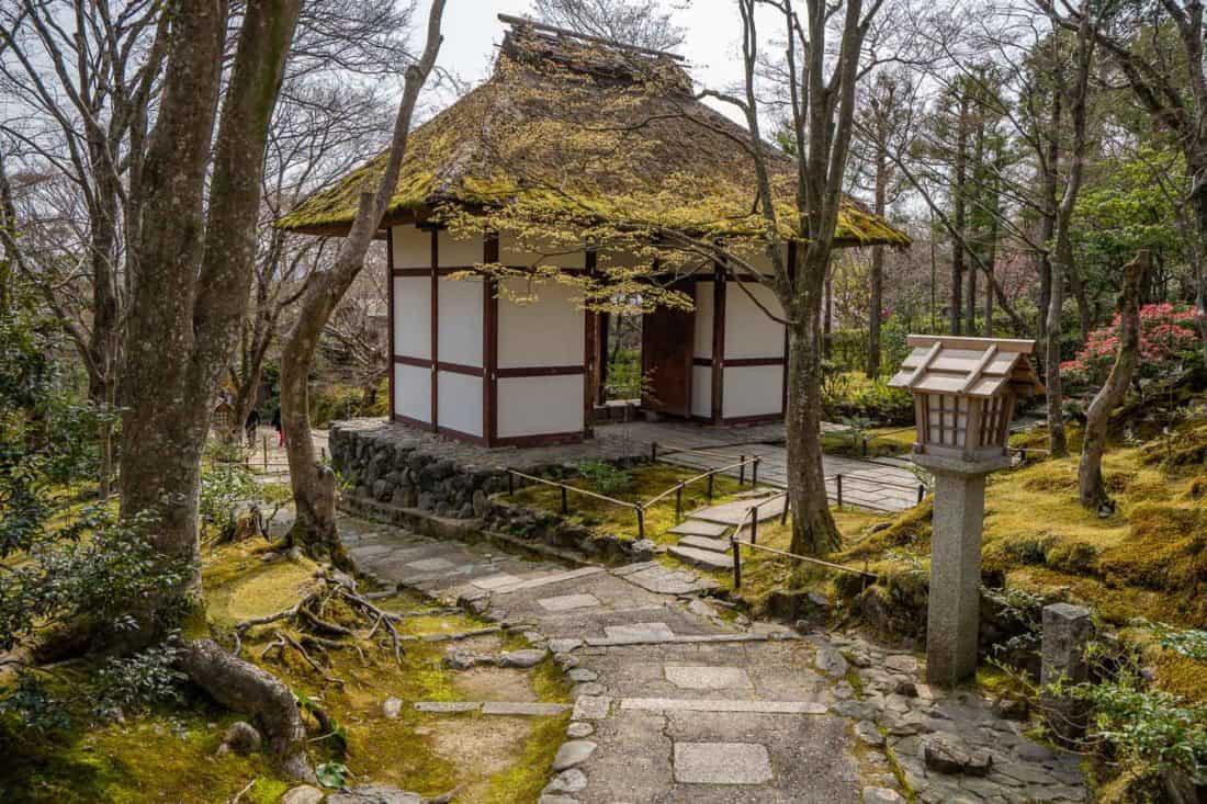 Thatched Niomon gate at Jojakko-ji temple in Arashiyama, Kyoto