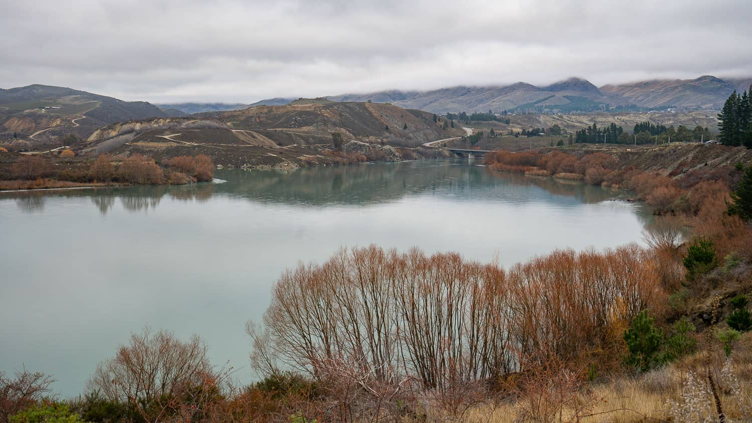 Lake Dunstan Cycle Trail in early winter