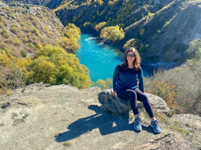 Allbirds Mizzles review - Erin wearing Allbirds Wool Runners Mizzles in Gibbston Valley, New Zealand
